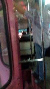 38- une montée de bus